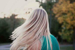 Tẩy tóc nâng tông tóc nhuộm