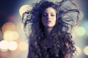 Dập xù tóc nữ